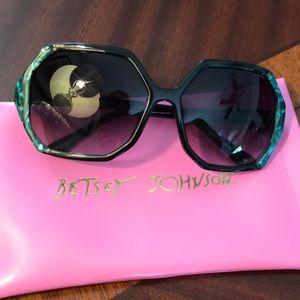 Betsey Johnson BJ176 Raven/Jade Sunglasses